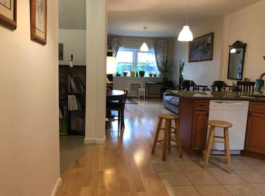 Hotel Valokuvat: NEW! Warm Cozy 6BR 4BA for 20, 25 mins to NYC