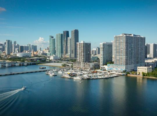 호텔 사진: DoubleTree by Hilton Grand Hotel Biscayne Bay