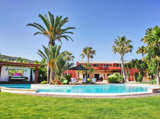 صور الفندق: Es Cubells Villa Sleeps 20 Pool Air Con WiFi