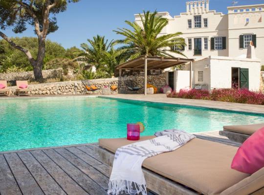 Фотографії готелю: s'Estanyol de Migjorn Villa Sleeps 17 Pool WiFi