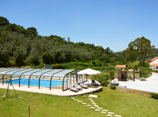 Hotel photos: Portinho da Arrabida Villa Sleeps 16 Pool WiFi