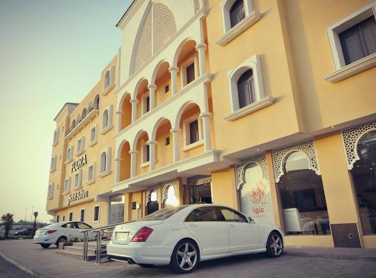 Otel fotoğrafları: Flora Hotel Suites