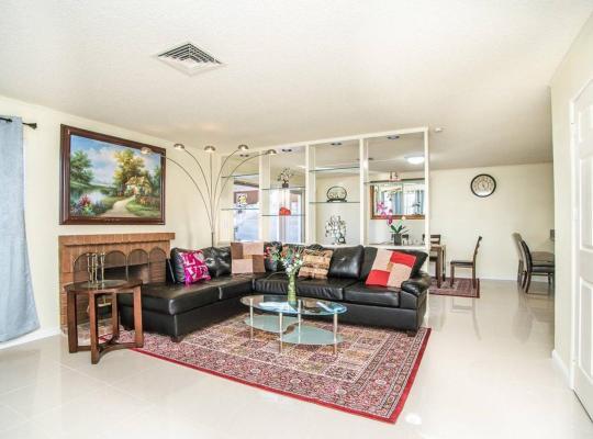 Hotel bilder: Flamingo Estate - 4 Bd Luxury Las Vegas Condo