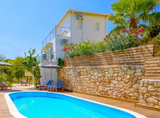 Foto dell'hotel: Ai Giannis Villa Sleeps 6 Pool Air Con WiFi