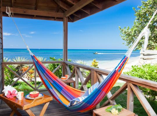 酒店照片: Las Rocas Resort and Dive Center