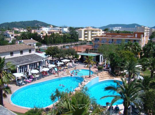 Photos de l'hôtel: Aparthotel Club Simó