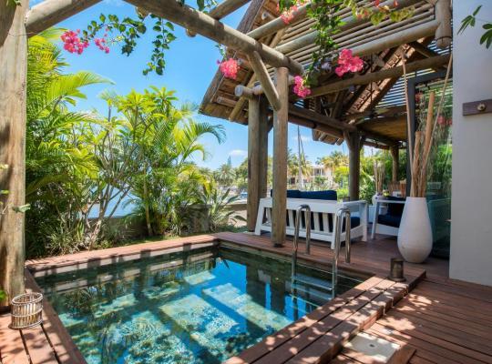 Hotel photos: MARINA L'ESTUAIRE - villa posee sur l'eau