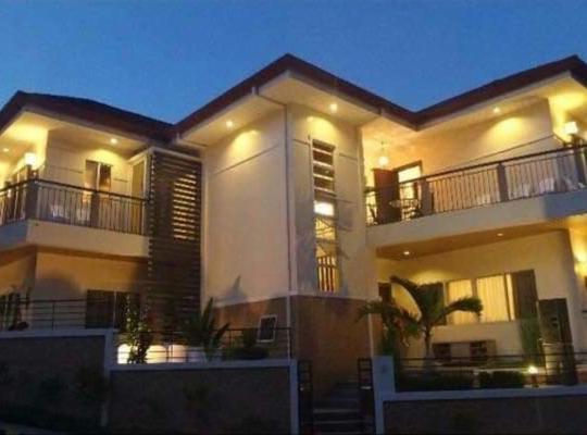 Hotel photos: Azienda Lombarde 3 Storey Dubai Inspired House Cebu South Coastal Road