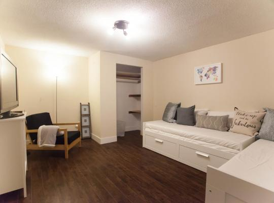 Hotel photos: Modern 2BR in the Forest