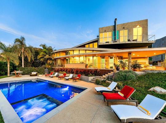 Photos de l'hôtel: Luxury Villa GOLD renovated