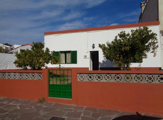 Фотографії готелю: Casa Vacacional santiago Del Teide ( Casco )