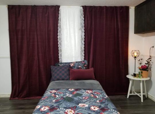 Hotel fotografií: Beautiful Romance Bed & Breakfast in North York