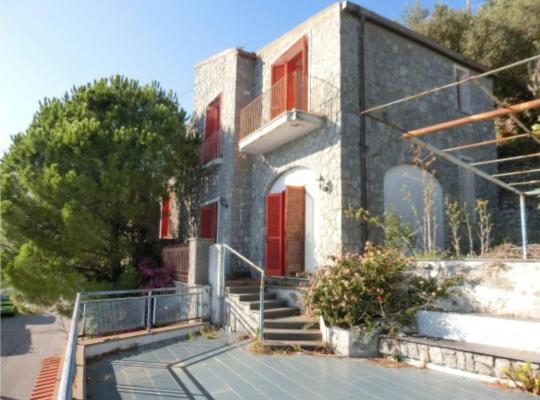 Photos de l'hôtel: Villa Caro with infinity pool