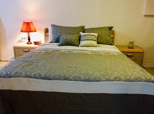 Zdjęcia obiektu: Clean/Cozy Basement apartment with Kitchen