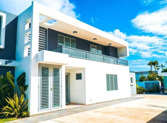 Hotel photos: Aquaville - Modern Apartment near the beach STUDIO