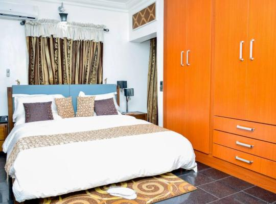 Hotel photos: Crystal House International Hotel