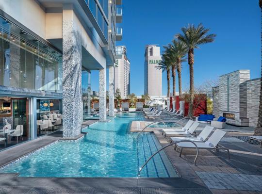 Képek: Palms Place Hotel and Spa