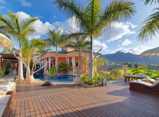 Hotel photos: Royal Garden Villas