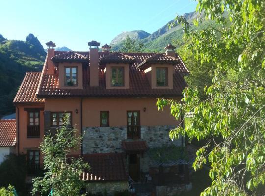 Φωτογραφίες του ξενοδοχείου: Apartamentos Rurales Buenamadre