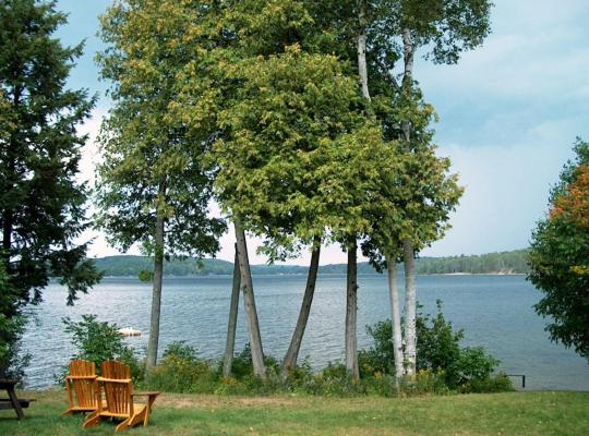 Képek: 12 Mile Lake Bed and Breakfast
