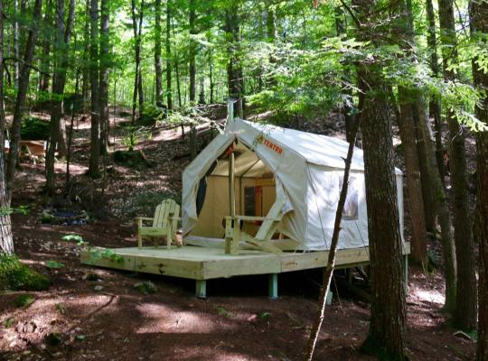 Hotel bilder: Tentrr - Pleasant Mountain Stream Camp