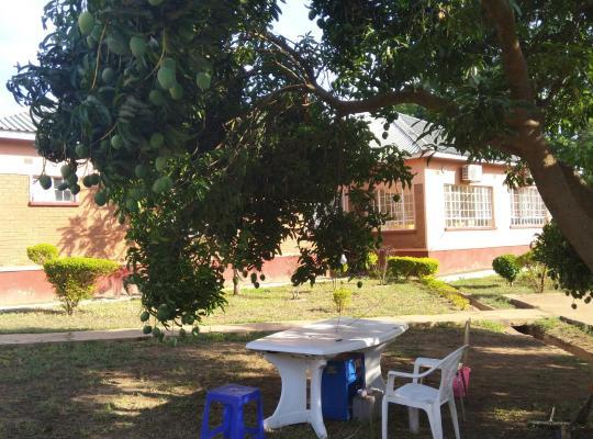 ホテルの写真: 马拉维远方的家华人酒店