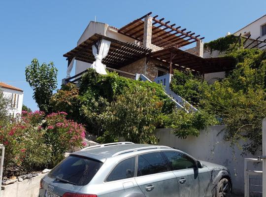 Foto dell'hotel: Andronikos Villa