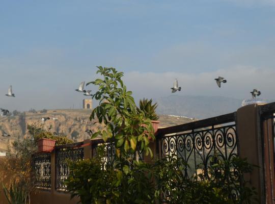 Хотел снимки: Dar Naima