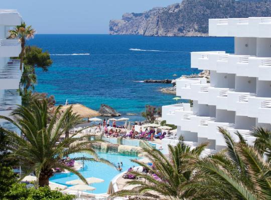 Otel fotoğrafları: FERGUS Style Cala Blanca Suites