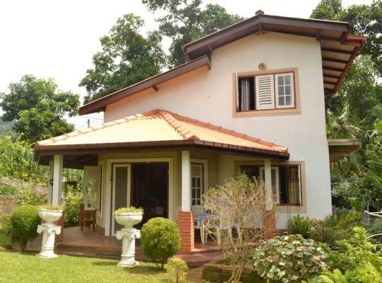 Hotel fotografií: Sujatha's Homestay Residence