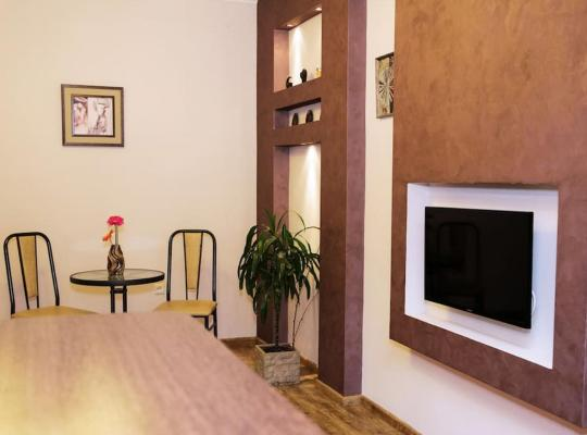 Hotelfotos: Sunny and nice flat on Mashtots av.