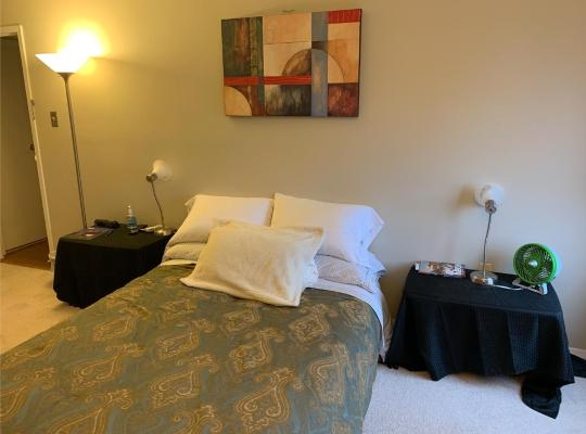Fotos de Hotel: Master bedroom with private bathroom