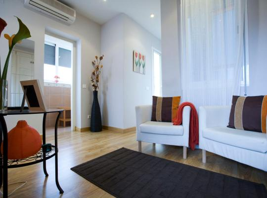 Hotel fotografií: Viviendas Turísticas Conde de Molina