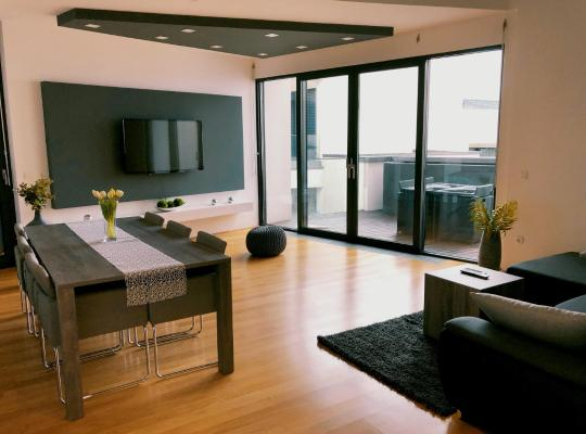 Viesnīcas bildes: Sea View Luxury Apartment