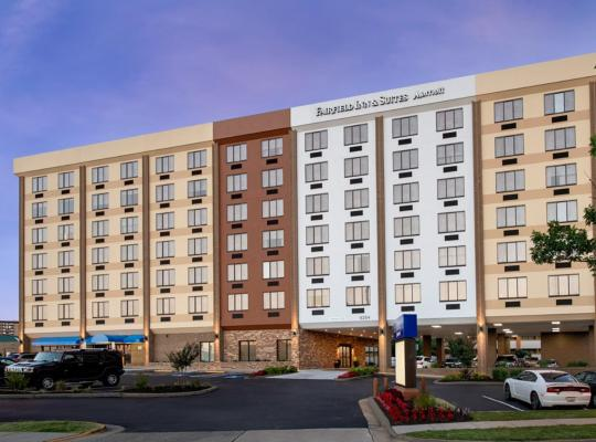 Fotos de Hotel: Fairfield Inn & Suites by Marriott Alexandria West/Mark Center