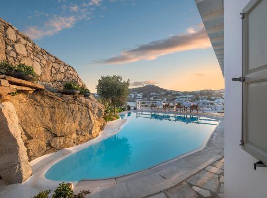 Foto dell'hotel: Deliades Hotel