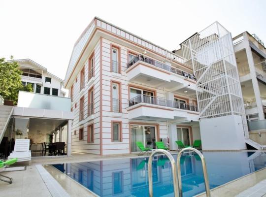 Képek: Kinali Hotel