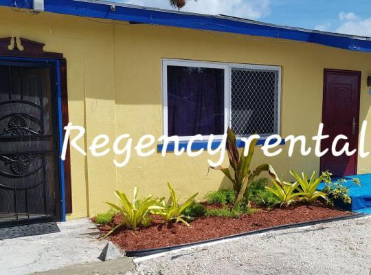 Hotel photos: Regency Rentals