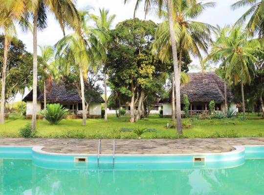 Hotellet fotos: Spend all day by the pool with tropical surrounding enjoying yourself