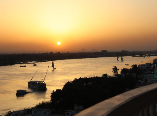 Хотел снимки: Maadi, Direct Nile river View From all Rooms