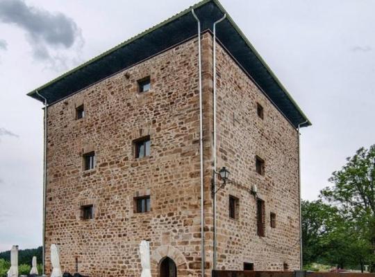 Фотографии гостиницы: Hotel Torre Zumeltzegi