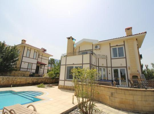 Hotel bilder: New life villa with pool - Alsancak(Karavas)Girne