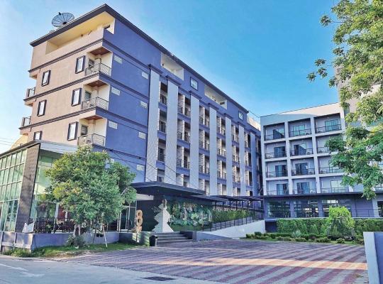 Otel fotoğrafları: Embryo Hotel