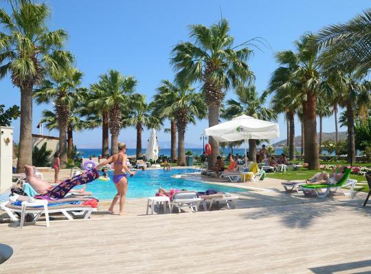 Хотел снимки: My Marina Select Hotel