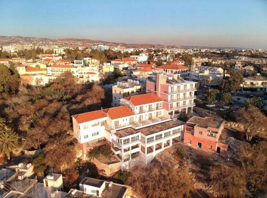 Хотел снимки: Axiothea Hotel