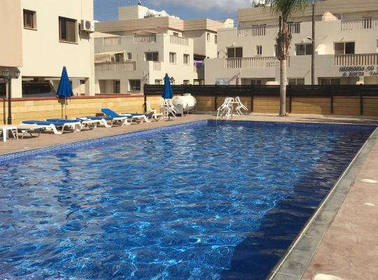 Hotel bilder: Sadie & Robins One bedroomed Cyprus Apartment
