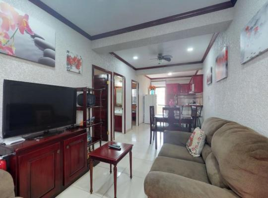 Ảnh khách sạn: Modern apartment w/ convenient location near parks, dining