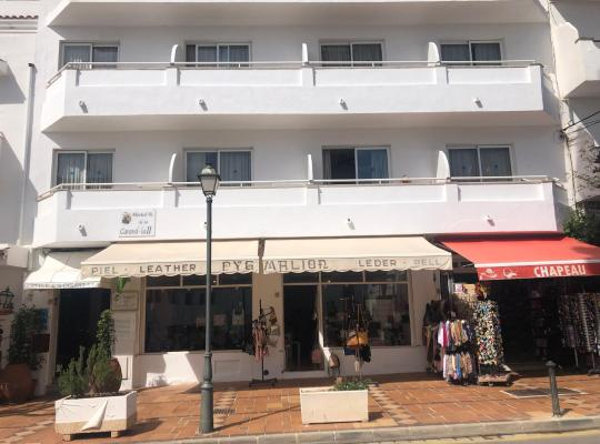 Hotel Valokuvat: Hostal de la Caravel·la II