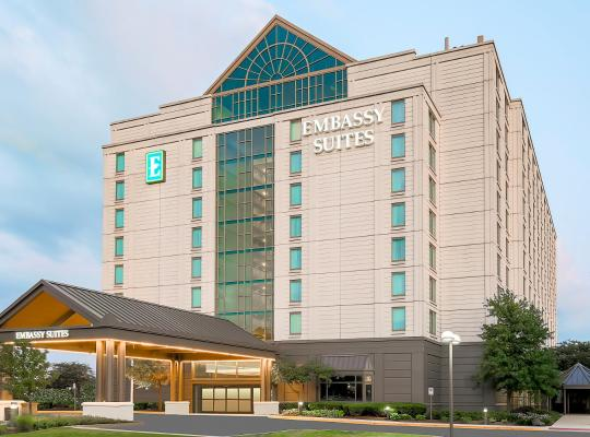 Foto dell'hotel: Embassy Suites by Hilton Chicago Lombard
