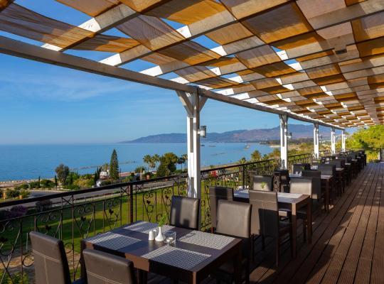 ホテルの写真: Latchi Family Resort